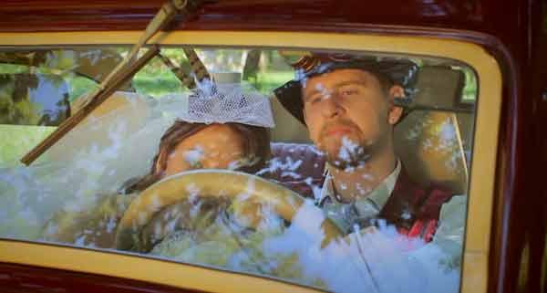ретро автомобиль для стимпанк свадьбы