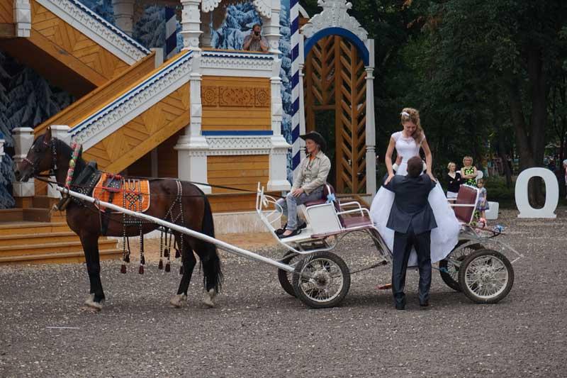 невеста на карете